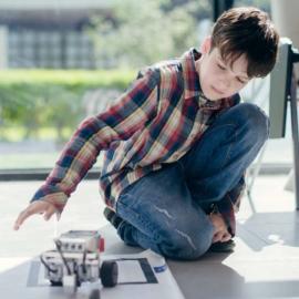 6 причин отдать ребенка на робототехнику